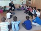 Dzielnicy radził dzieciom jak bezpiecznie spędzić ferie_3