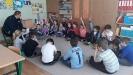 Dzielnicy radził dzieciom jak bezpiecznie spędzić ferie_4